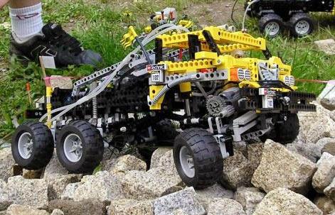 Lego off-roader