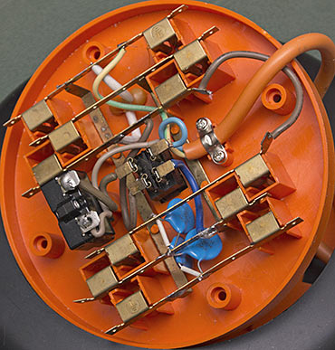 Round powerboard interior